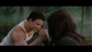 Download THE TWILIGHT SAGA: BREAKING DAWN PART 2 - Clip ″Strongest in the House″ Video