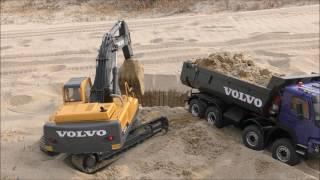 Download RC4WD EXCAVATOR 360L & FMX DUMP Video