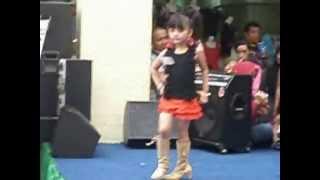 Download Fashion Show Kids Tata Casual BTM 23 June 2013 Video