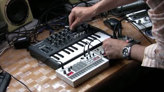 Download Techno Goa trance Live jam Volca Bass Volca Sample Microbrute Video