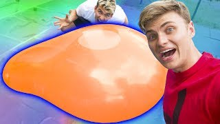 Download GIANT WATER BALLOON EXPLOSION!! Video