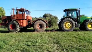 Download K-701-es vs John Deere Video
