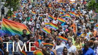 Download 2017 NYC Pride Parade: March Along With The Crowd In Virtual Reality   360   TIME Video