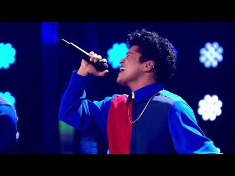 Bruno Mars - That's What I Like (from the 2017 Brit Awards) [Live]