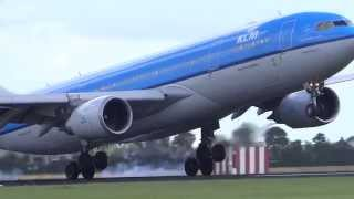 Download 50 Planes Landing Close at Amsterdam Schiphol Airport - Polderbaan Spotting Runway 18R Video
