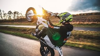 Download TRUE EPIC SHIT // Sunset Stuntriding with DAVID BOST and DEELOW! // EDGESOFSUPERMOTARD Video