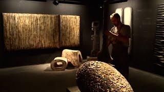 Download Le temps d'une rencontre : l'incroyable sculpteur sur bois Video