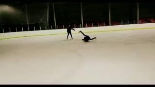 Download Брейк Данс( Гелик Windmill) На льду. Зачем нам коньки. Танцы на льду. Pokemon Go Video