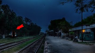 Download जब रात के 1:30 बजे अर्जुन को इस स्टेशन पर दिखी ये लड़की Video