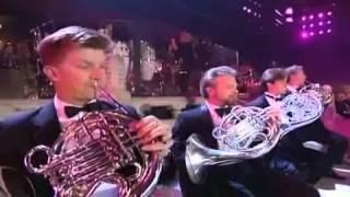 Download العازف 'ياني' يعزف اجمل موسيقى في وادي الذئاب.flv Video