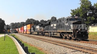 Download NS 231 runs by 231 in the siding Video