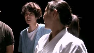 Download 空手家・宇佐美里香出演 WebCM「ちゃぶ台編」メイキング動画 Female Karate Rik Video