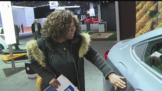Download Laid-off GM Lordstown workers sad to see new car at Detroit Auto Show Video
