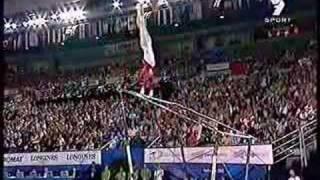 Download Nastia Liukin - 2005 World Uneven Bars Champion Video