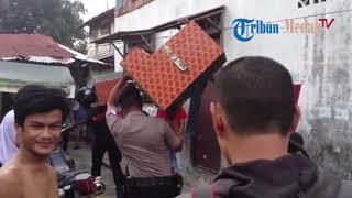 Download Penggerebekan Obat Terlarang di Jalan Sukaramai Gang Jati II, Kelurahan Suka Ramai Video