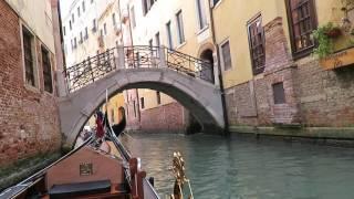 Download giro in gondola nei canali di Venezia con guida HD (Beautiful Gondola Ride in Venice, Italy) 1/2 Video