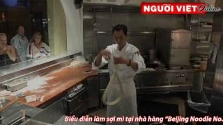 Download Biểu diễn làm sợi mì tại nhà hàng Beijing Noodle No. 9 - Caesars Palace Video