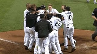 Download Konerko hits a home run to left to win it Video