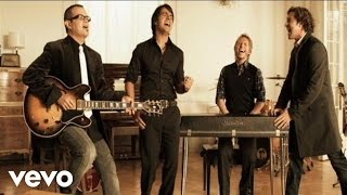 Download Luis Fonsi - Aqui Estoy Yo (Video Oficial) ft. Aleks Syntek, Noel Schajris, David Bisbal Video