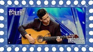 Download Es capaz de tocar todos los éxitos del momento con su guitarra | Inéditos | Got Talent España 2018 Video