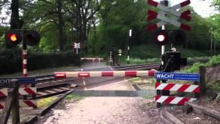 Download Trein slagboom in Venlo vlakbij een woud van 12 mei 2012 Video