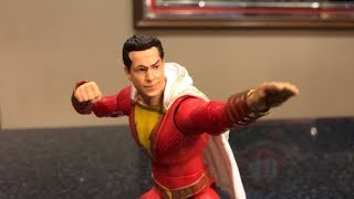 Download TOY HUNTING and REVIEW - DC MULTIVERSE SHAZAM MOVIE FIGURE and $5 BLACK PANTHER MARVEL LEGENDS Video