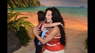 Download Meeting Moana at Disney World Newest Princess Teaches Luna How To Hula Video