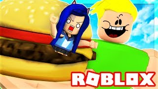 Download WE MUST ESCAPE THE ROBLOX DINER! I GET EATEN BY A GIANT!! Video