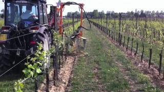 Download New Holland T4040V in spollonatura Video