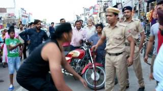 Download CWE Wrestler Shanky Singh Chokeslam to Police Constable Pandey. Video