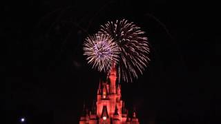 Download Holiday Wishes Fireworks Spectacular at the Magic Kingdom - Mickey's Very Merry Christmas Party 2016 Video