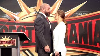 Download Ronda Rousey & Triple H share an intense moment during WrestleMania 35 press conference Video