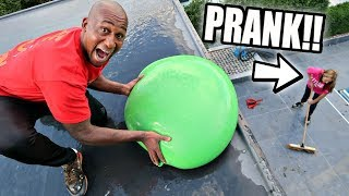 Download ICE WATER BALLOON PRANK ON MY MOM Video