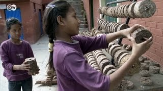Download Nepal: Bio-Briquettes instead of Firewood | Global 3000 Video