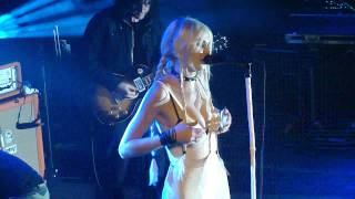 Download The Pretty Reckless - Zombie live in Paris by Emii Video