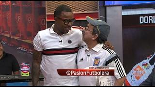 Download Pasión Futbolera - ¡Tukita habla con Paleta pero le canta a Dorlan! Video