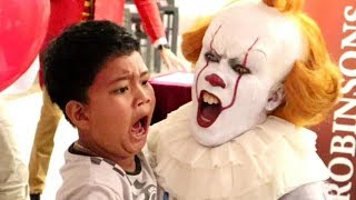 Download Pennywise Terrifies Audience inside ″The House of Mirrors″ (Robinsons Movieworld, Galleria) Video