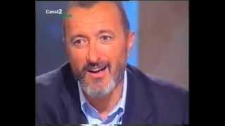 Download ARTURO PÉREZ-REVERTE. En El público lee (″El pintor de batallas″). Canal 2 Andalucía, 2006 Video