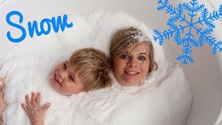 Download ❄️ DIY SNOW CHALLENGE! ❄️ (w/ Ollie!) Video