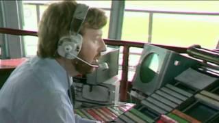 Download World's scariest plane landings.mp4 Video