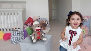 Download CRAZY BABY DANCING WITH DANCING MONKEY!!! Video