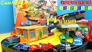Download DISNEY PIXAR CARS RACE AROUND RADIATOR SPRINGS 🏎PISTA RADIATOR SPRINGS Carros de Carrera para niños Video