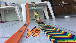 Download A BATALHA DAS PISTAS DE CARRINHOS: PISTA DIFERENTE E MALUCA VS PISTA HOT WHEELS! Video