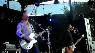 Download Queens of the Stone Age w/Eddie Vedder - Make it Wit' Chu and Little Sister at Alpine Valley (PJ20) Video