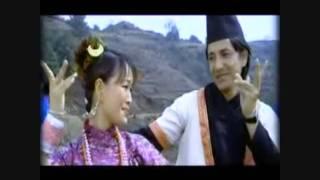Download Hamro Ta Solu Peekeyma Sunpati Gurash Fool Fuleo by Pemba Chhoti Sherpa & Mingma Sherpa Video
