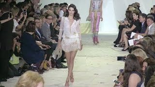 Download Braless Kendall Jenner, Irina Shayk, Karlie Kloss and Gigi Hadid on the runway in NYC Video