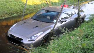 Download Nissan GTR crashed into the water! MUST SEE! Video