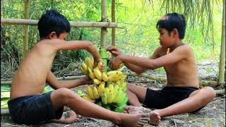 Download primitive technology - Tow Boy Find Fish With Bamboo Spear & Cooking Video