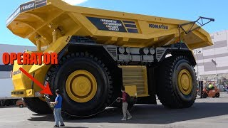 Download The World's first fully autonomous dump truck leaving Minexpo 2016 Video