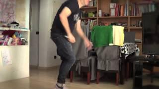 Download TENGO UN BAILE Video
